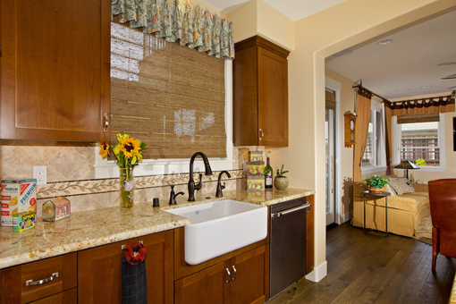 Kitchen Cabinets with Alder Wood Full Overlay Shaker Doors Crown Molding Farm Sink Apron